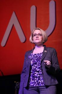 Autodesk AutoCAD產品系列副總裁 Amy Bunszel